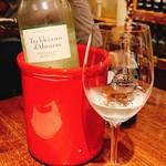 プチ ボヌール - トスカーナ産白ワイン  トレッビアーノ・ダブルッツォ    2200円