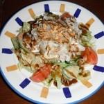 満天 - 料理写真:いつもの満天サラダ、豆腐、豚肉、野菜をスパイシーでおいしく食べれます。