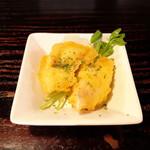 炙り屋カマクラ - 鶏の天ぷらアオサ塩