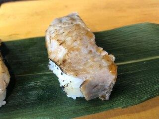 おかめ - ほほ肉(「鮪希少部位3貫セット」800円)