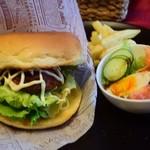 カフェ イーストヒルズ - 料理写真:伊賀牛バーガー