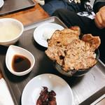 ぶた丼 勝 - 料理写真: