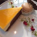 サロン・ド・テ・ロンド - 季節のケーキ