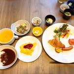 カフェレストランラベンダー - 1Fラベンダーでの朝食は種類も豊富でオリジナルカレーと京都のおばんざいがおすすめ!