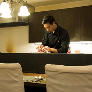 熟練のシェフが織りなすフレンチは、美しく上品な一皿