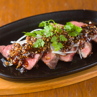 6種類の味から選べるステーキが100gなんと500円★