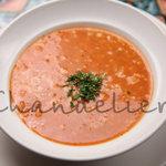 野菜・豆・パスタ・お米が入ったトマトベースのモロッコの代表的スープ
