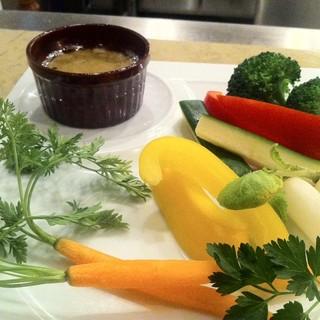鹿児島揖宿直送の新鮮な野菜をふんだんに使った料理をご賞味ください。