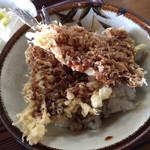 栄屋食堂 - ハゼ天丼(ミニ)  淡白な白身魚ですが、モチっとした食感です。