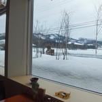 千花 - 大きな窓から見える雪景色がいいですね~♪