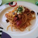 トレヴィ - モザイク野菜とモッツァレラのパスタ