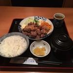 庄や - 料理写真:ご飯と味噌汁はおかわり自由