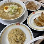 餃子の王将 - 料理写真:チャーハンセット(日本ラーメン)