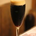 ビストロ アマービレ - 黒ビール