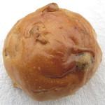 パムパムベーカリー - くるみパン(レーズン入り)
