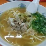 關白 - ラーメン定食(900円)