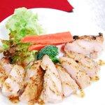 農場レストラン で いただきます - 青木さんの鶏のハニーマスタード焼き(メイン料理の1品)
