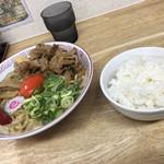 おとど食堂 葛西店はなれ - 2019/10/27 ランチで利用。 肉玉そば(850円) ライスは無料。