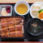 かいだ屋 - 2019.10 特上うな重 一本半入り サラダ付き(4,630円)