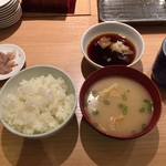 天麩羅処ひらお - 小ご飯と味噌汁
