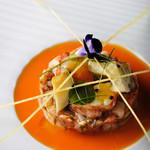 オマール海老、アワビ、トマトのモザイク