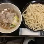 豚や - 【2019.9.14】豚肉汁うどん白 並盛り950円