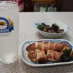 みどり食堂 - チューハイ、ヤリイカの煮付け、茄子の煮物