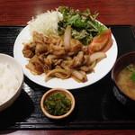 マルかつ食堂 - 生姜焼き定食