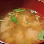 マルかつ食堂 - 味噌汁