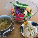 食堂 ファイダマ - お野菜とスープセット