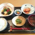 めし屋 仙瑞 - 里芋田舎煮と野菜の揚げ浸し定食