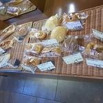 カフェテリア&ベーカリー匠 - 店内のパンです。(その1)