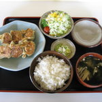 可京 - 料理写真:餃子定食 800円