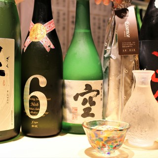 全国の厳選地酒を常時30種以上◎絶品料理と地酒のマリアージュ