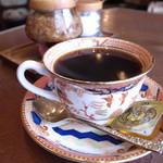 11862849 - カップも美しくとても美味しい珈琲でした。