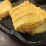 炉端焼き 鷹島本まぐろ 魚然 - 明太チーズ卵焼き