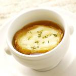 淡路産新玉ねぎのオニオングラタンスープ