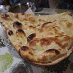 印度料理 プルワリ - 日替わりのセットのナン 11.11.29.