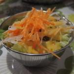 印度料理 プルワリ - 日替わりセットのサラダ 11.11.29.