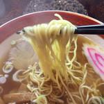 ラーメンの王様 - うす味スープに極細ちぢれ麺。
