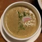 頑固麺 -  鰹香る 王道魚介白湯つけ麺(1日15食限定) 1,100円 (つけ汁)