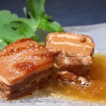 燻製沖縄料理 かびら亭 - かびら亭のラフティ