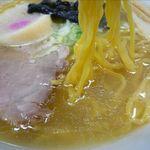 てっぺん - とり塩らーめんの麺