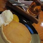 11864697 - ケーキセットのパンケーキ 11.11.30.