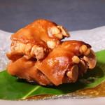 燻製沖縄料理 かびら亭 - かびら亭のテビチ