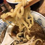 118657799 - 太めのちぢれ麺