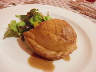 レストランヴィーヴル - ひき肉のパイ包み