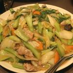 群愛飯店 - 堅焼きそばのあんかけ八宝菜