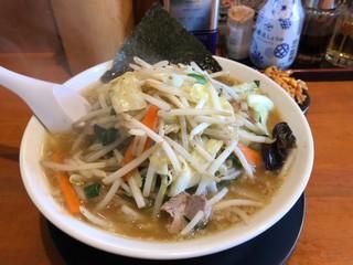 椿ラーメンショップ 新さくら通り店 - 野菜たっぷりラーメン