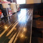 ラーメン サカモト - テーブル席
